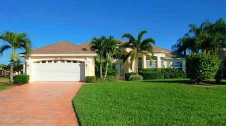 Picture link to Homes for sale in Cape Coral up to $199,999