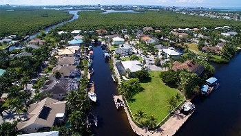 Lots for sale in Fort Myers with access to the Gulf of Mexico