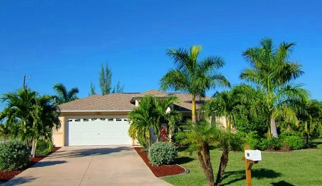 Picture link to Homes for sale on a freshwater canal in Cape Coral up to $299,999