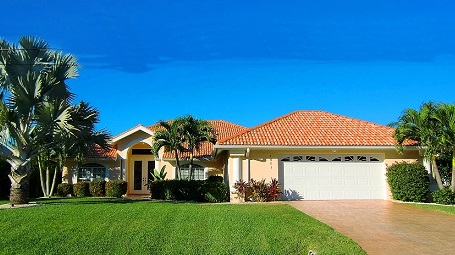 Houses for sale in Cape Coral with gulf access