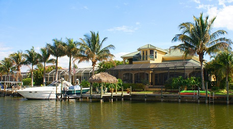 Houses for sale in Cape Coral with boating access
