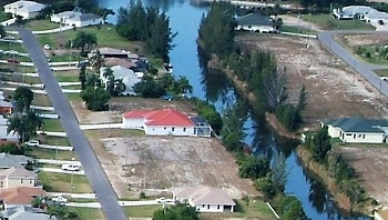Picture link to freshwater lots for sale in the South of Cape Coral up to $34,999