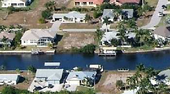 Picture link to gulf access lots for sale in the South of Cape Coral from $75,000 to $124,999