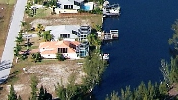 Picture link to gulf access lots for sale in the South of Cape Coral up from $200,000 to $299,999