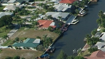 Picture link to gulf access lots for sale in the South of Cape Coral up to $99,999