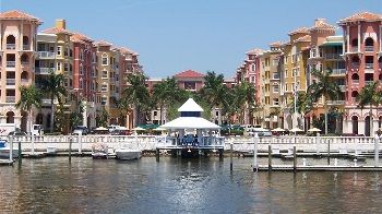 Picture Link to Condos on water for Sale in Naples from $400,000 to $499,999