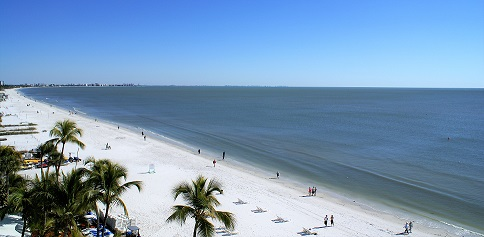 Picture showing the view across the beach into the Gulf of Mexico