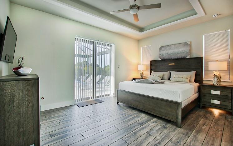 Bild mit Blick auf das Gästeschlafzimmer des Neubaumodells Beach Cove