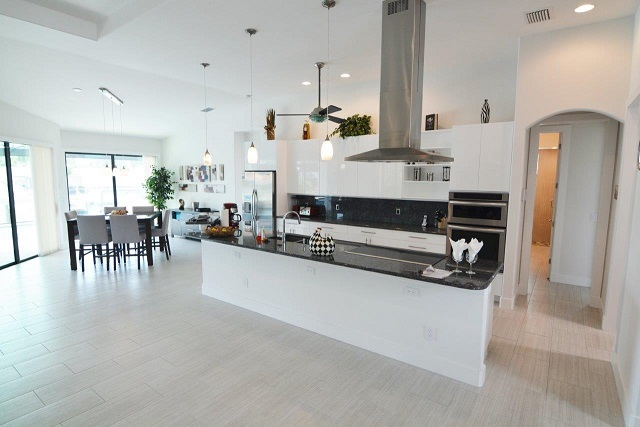 Picture of the New Construction Model Coral Laguna 2 showing the kitchen