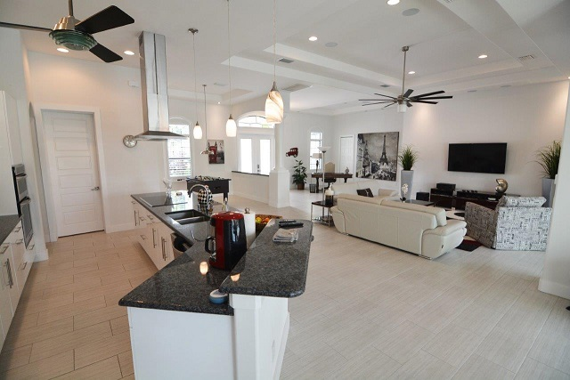 Picture of the New Construction Model Coral Laguna 2 showing the kitchen and living room area