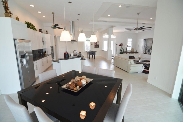 Picture of the New Construction Model Coral Laguna 2 showing the dining area