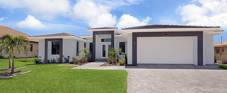 Picture of the New Construction Model Gulf Gateway 2 showing the front of the home