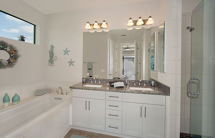 Picture of the New Construction Model Gulf Gateway 2 showing the master bathroom 4