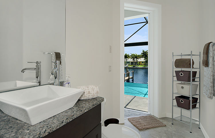 Picture of the New Construction Model Gulf Gateway 2 showing the pool bath