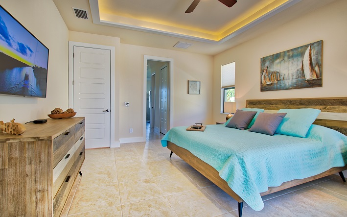 Picture of the New Construction Model Sunset Bay 2 version 2 showing the master bedroom and hallway to bathroom