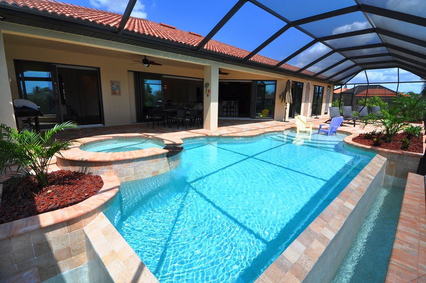 Haus bauen in Cape Coral Modell Coral Laguna 1 Pool Whirlpool