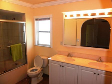 Picture of the bathroom after renovation