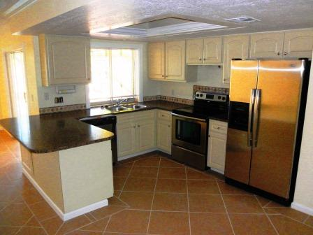 Picture of the kitchen after renovation